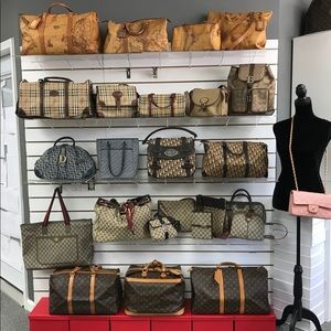 DIOR, BURBERRY, GUCCI, ALVIERO, LOUIS VUITTON